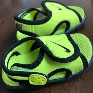 Nike Baby Sunday Adjust Sandals Size 3C Neon Green